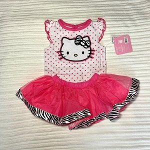 🌸Hello Kitty NWT two piece outfit